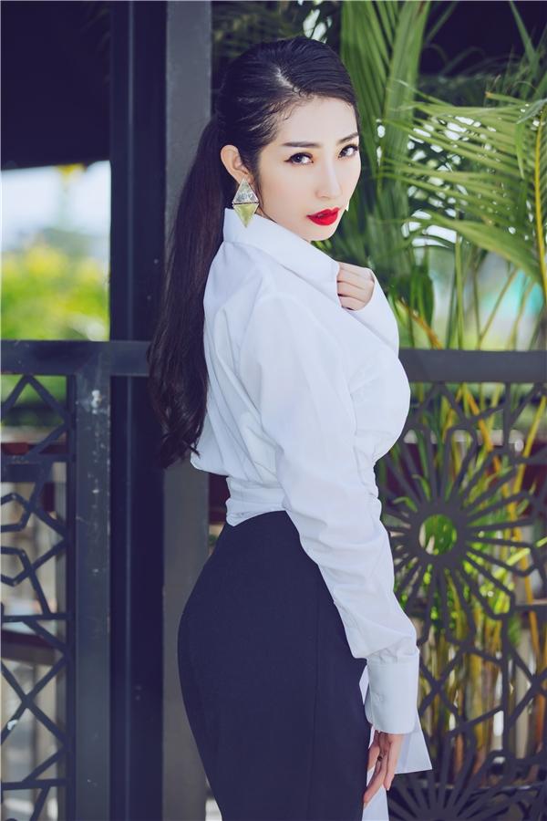 """Cô tâm sự: """"Khổng Tú Quỳnh hi vọng lần trở lại này sẽ khiến công chúng có cái nhìn khác hơn về một cô gái trưởng thành, vừa bước qua độ tuổi 26"""". - Tin sao Viet - Tin tuc sao Viet - Scandal sao Viet - Tin tuc cua Sao - Tin cua Sao"""