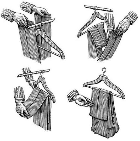 Nếu phơi quần theo cách này sẽ tránh làm giãn vải đồng thời giữ được nếp của quần. (Ảnh: Internet)