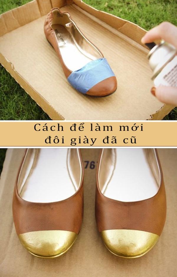 Làm mới một đôi giày bằng cách sử dụng sơn xịt và băng keo. (Ảnh: Internet)