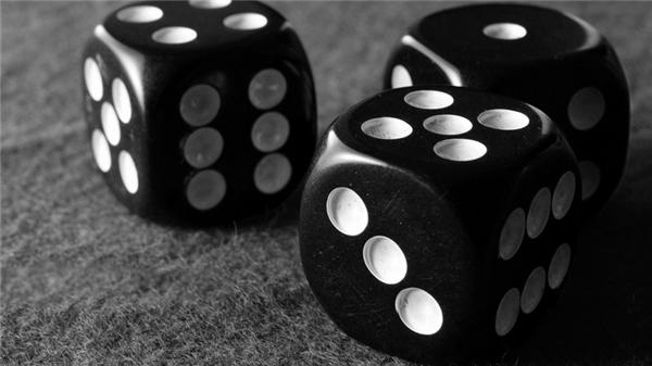 Xúc xắc không chỉ là biểu tượng của cờ bạc mà còn là một tội lỗi...(Ảnh: Internet)