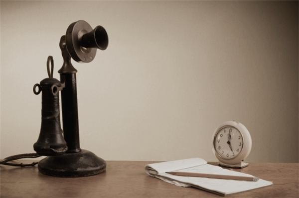 Hình dáng của chiếc điện thoại đầu tiên trên thế giới.(Ảnh: Internet)