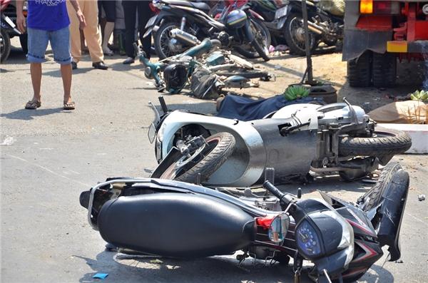 Nhân chứng không tin mình còn sống khi kể lại vụ xe ben gây tai nạn