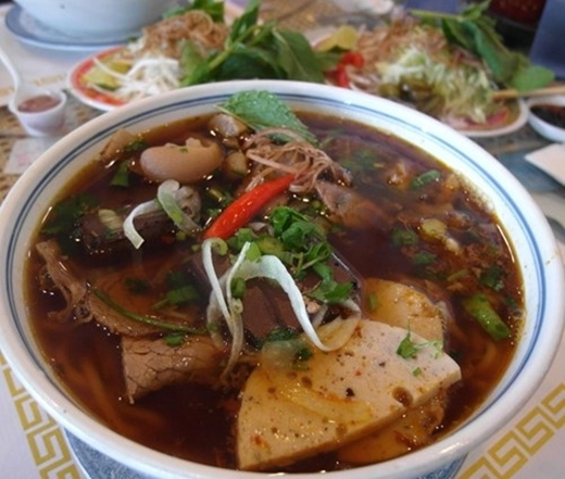 Bát bún bò mang đậm hương vị cũng như nét tinh tế của ẩm thực xứ Huế. (Ảnh: Internet)