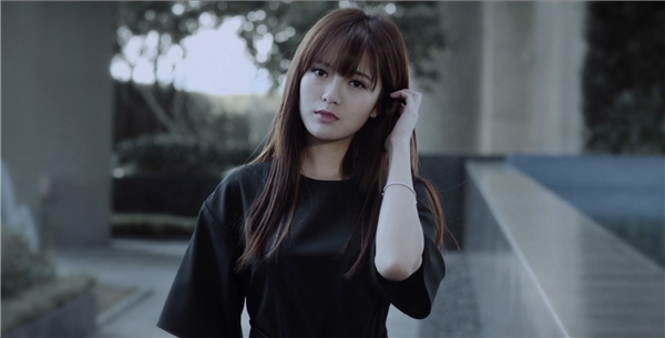 Thành viên OPlus và hot girl Tú Linh hẹn hò?