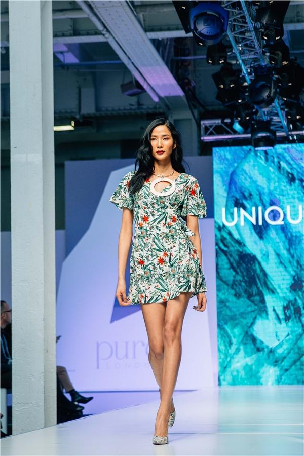 Chân dàingày càng khẳng định được bản thân và đẳng cấp của mình khi từng bước nỗ lựcvươn lên một tầm cao mới trong thời trang.