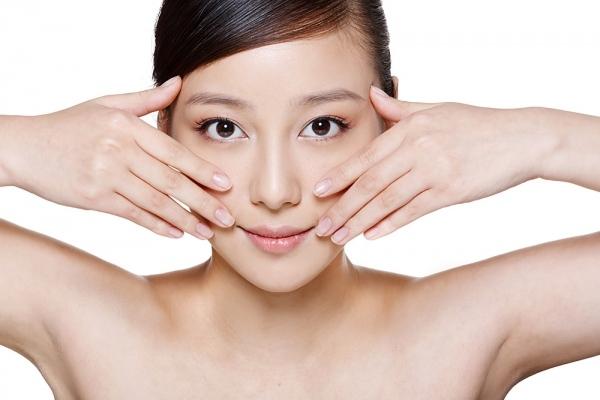 8 tuyệt chiêu dưỡng da mềm mịn cực đơn giản của Yumi Dương