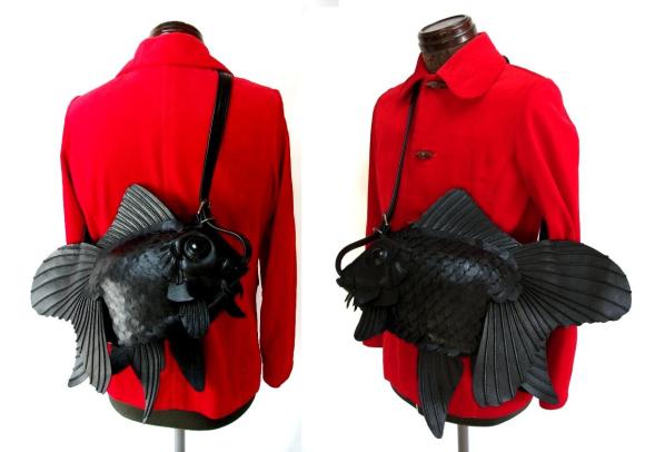 """Với thiết kế tinh xảo, kì công; mặc dù giá có khá cao thì đây vẫn là món phụ kiện bạn nên sở hữu nếu là một fan """"cứng cựa"""" của phong cách thời trang Nhật Bản."""