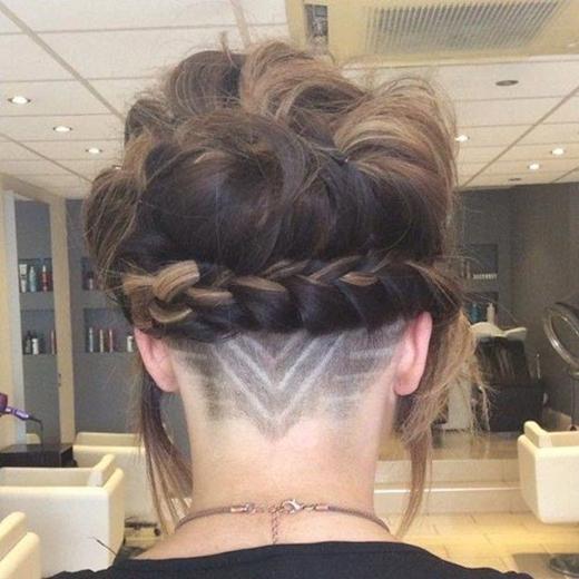 Giới trẻ điên đảo với trào lưu xăm hình cho tóc siêu chất