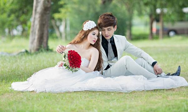 Sau khi bức ảnh đám cưới được công bố, cả Ivy và Hồ Quang Hiếu đều lên tiếng thừa nhận rằng cả hai từng kết hôn sau đó chia tay. (Ảnh: Internet) - Tin sao Viet - Tin tuc sao Viet - Scandal sao Viet - Tin tuc cua Sao - Tin cua Sao