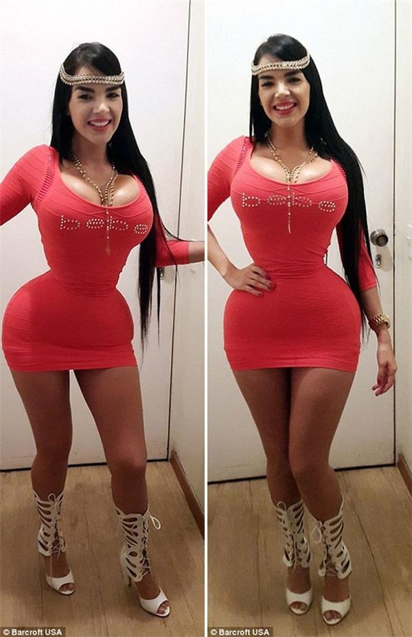 Aliera Avendano có chỉ số vòng eo là 51 cm. So với hai trường hợp bên trên thì số đo này có phần nhỉnhhơn. Tuy nhiên, so với tỉ lệ thân người của cô gái này thì vòng eo hoàn toàn chênh lệch, mất cân đối. Ngoài việc sử dụng áo nịt ngực, người đẹp của đất nước Venezuela còn sử dụng cả phẫu thuật thẩm mĩ để có được vòng eo như mong muốn.