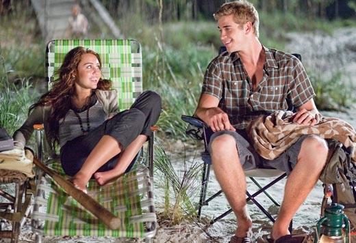 Miley và Liam gặp nhau trên phim trường The Last Song vào tháng 06/2009. (Ảnh: Internet)