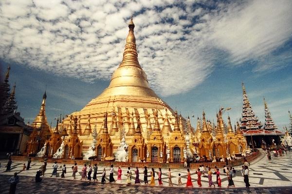 Vài năm trở lại đây, du lịch Yangon khá phát triển do trung tu lại một số địa danh.