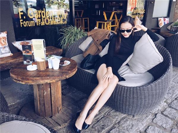 Không những sở hữu nhan sắc nổi trội cùng vóc dáng hoàn hảo, Băng Di giờ đây xuất hiện trước công chúng với một hình ảnh sang trọng, quyến rũ hơncùng phong cách thời trang ấn tượng - Tin sao Viet - Tin tuc sao Viet - Scandal sao Viet - Tin tuc cua Sao - Tin cua Sao