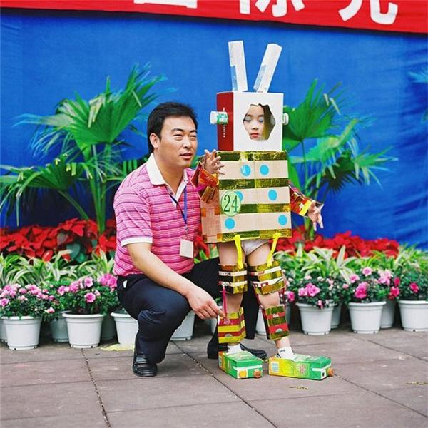 Ra mắt giới thiệu robot thế hệ mới.