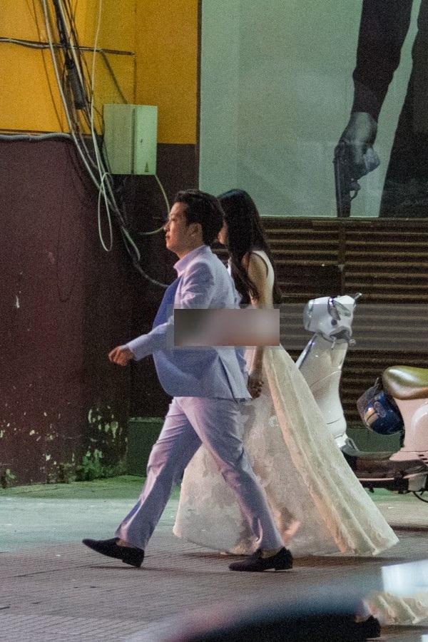 Khi kết thúc buổi công chiếu phim 49 ngày, Trường Giang và Nhã Phương lại tiếp tục hẹn hò đêm khuya. (Ảnh: Internet) - Tin sao Viet - Tin tuc sao Viet - Scandal sao Viet - Tin tuc cua Sao - Tin cua Sao