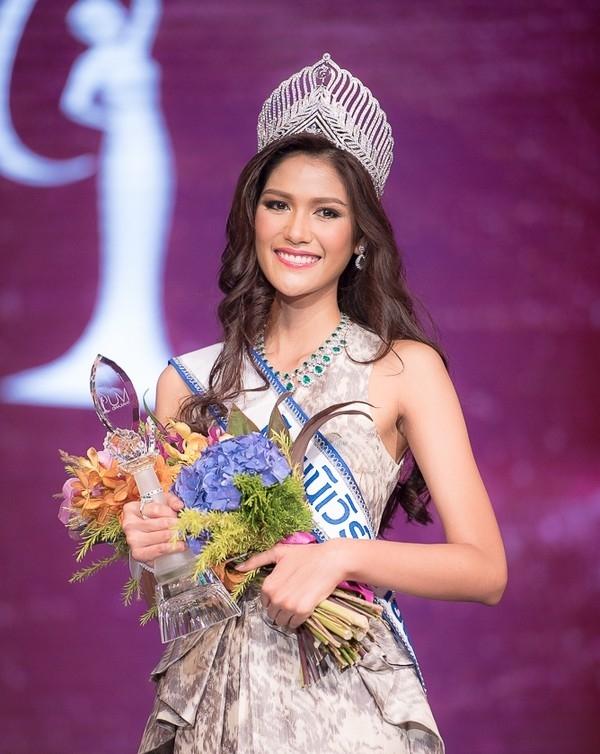 Trong khoảng thời gian dự thi Hoa hậu Hoàn vũ 2015, bạn cùng phòng của Phạm Hương là đại diện đến từ Thái Lan. - Tin sao Viet - Tin tuc sao Viet - Scandal sao Viet - Tin tuc cua Sao - Tin cua Sao