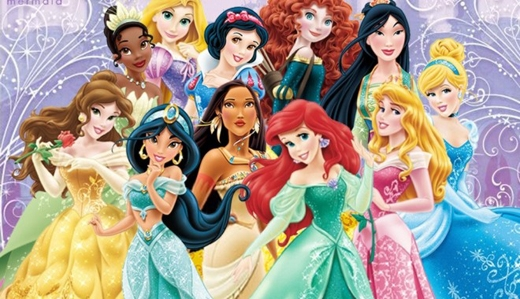 """Mặc dù có rất nhiều các nhân vật hoạt hình nhưng """"Hội công chúa"""" được nhà Disney công nhận chỉ vọn vẹn có 11 nàng thôi nhé! Danh sách bao gồm: Bạch Tuyết, Mulan, Aurora, Belle, Tiana, Rapunzel, Ariel, Cinderella, Jasmine, Pocahontas và Merida. Theo một số thông tin, hai cô nàng công chúa xinh đẹp của Frozen là Elsa và Anna cũng sẽ sớm """"đội hình Hoàng gia"""" này trong thời gian sắp tới."""