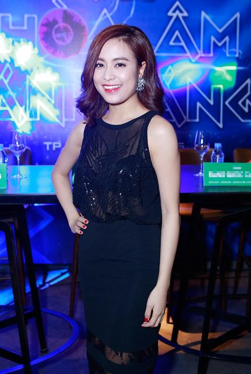 Team Hoàng Thùy Linh đã tạm vắng tại buổi tổng duyệt cho Liveshow 6 vì lí do sức khỏe. - Tin sao Viet - Tin tuc sao Viet - Scandal sao Viet - Tin tuc cua Sao - Tin cua Sao
