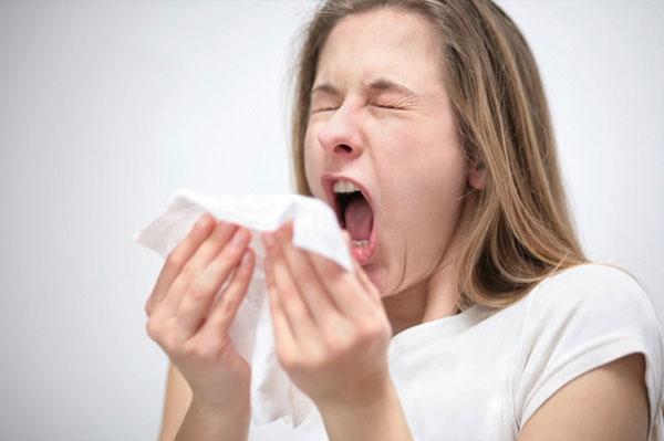 Hắt xì hơi có thể dẫn đến bịChứng Rối loạn khớp Thái Dương - Hàm (Ảnh mình họa - Nguồn Internet)