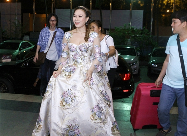 """Mỹ Tâm xuất hiện như một nàng công chúa, """"đốn tim"""" khán giả. - Tin sao Viet - Tin tuc sao Viet - Scandal sao Viet - Tin tuc cua Sao - Tin cua Sao"""