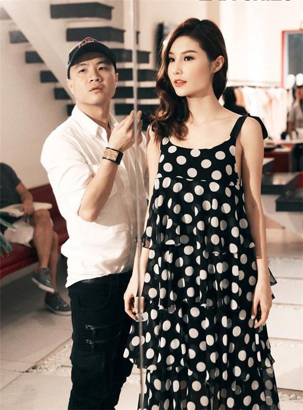 Một phần trang phục trong phim của Diễm My được nhà thiết kế hàng đầu tại Việt Nam giúp đỡ. Đó chính là cái tên khá quen thuộc Đỗ Mạnh Cường. Từ những ngày chuẩn bị cho bộ phim, Diễm My đã được đích thân nhà thiết kế họ Đỗ lựa chọn, cân đo trang phục cho thật vừa vặn.