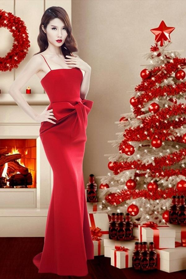 Bên cạnh sắc đỏ nổi bật, chi tiết dựng phom 3D khiến người xem không thể rời mắt với thiết kế của Lâm Gia Khang.