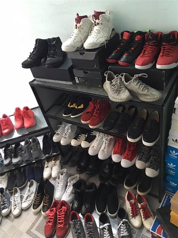 ... giày thể thao hàng hiệu.