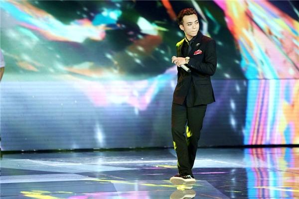 Soobin Hoàng Sơn biểu diễn ca khúc Ai khổ vì ai. - Tin sao Viet - Tin tuc sao Viet - Scandal sao Viet - Tin tuc cua Sao - Tin cua Sao