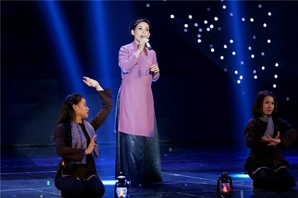 Phi Nhung xuất hiện cùng Ngô Kiến Huy trên sân khấu. - Tin sao Viet - Tin tuc sao Viet - Scandal sao Viet - Tin tuc cua Sao - Tin cua Sao