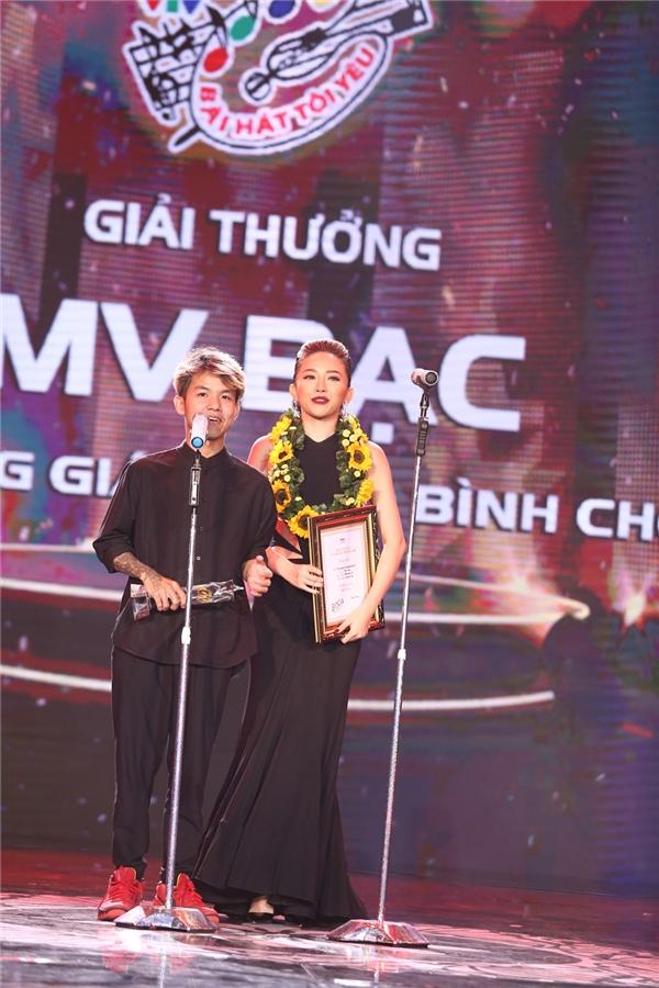 Tóc Tiên khai pháo thành công với cú đúp giải thưởng - Tin sao Viet - Tin tuc sao Viet - Scandal sao Viet - Tin tuc cua Sao - Tin cua Sao