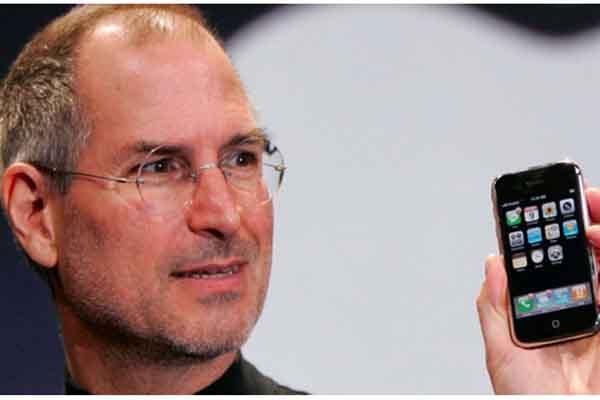 Sự thật khó tin về chữ 'i' trong iPhone, iPod, iPad