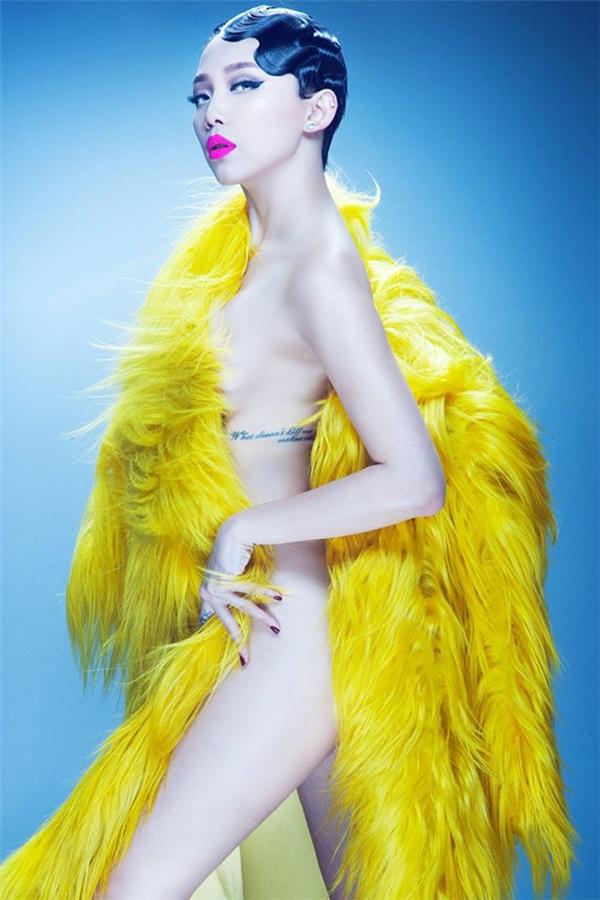 Nữ ca sĩ Tóc Tiên luôn biết cách gây chú ý với người hâm mộ trong các shoot hình thời trang vì quá đỗi gợi cảm - Tin sao Viet - Tin tuc sao Viet - Scandal sao Viet - Tin tuc cua Sao - Tin cua Sao