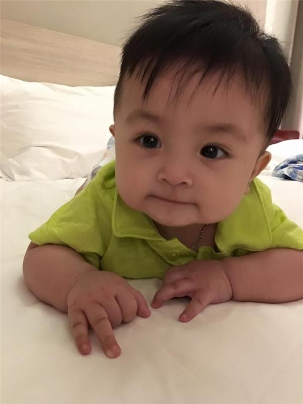 """Mẹ Ái Châu thích thú đặt tên cho em nickname mới """"Anh 2 zui"""". - Tin sao Viet - Tin tuc sao Viet - Scandal sao Viet - Tin tuc cua Sao - Tin cua Sao"""