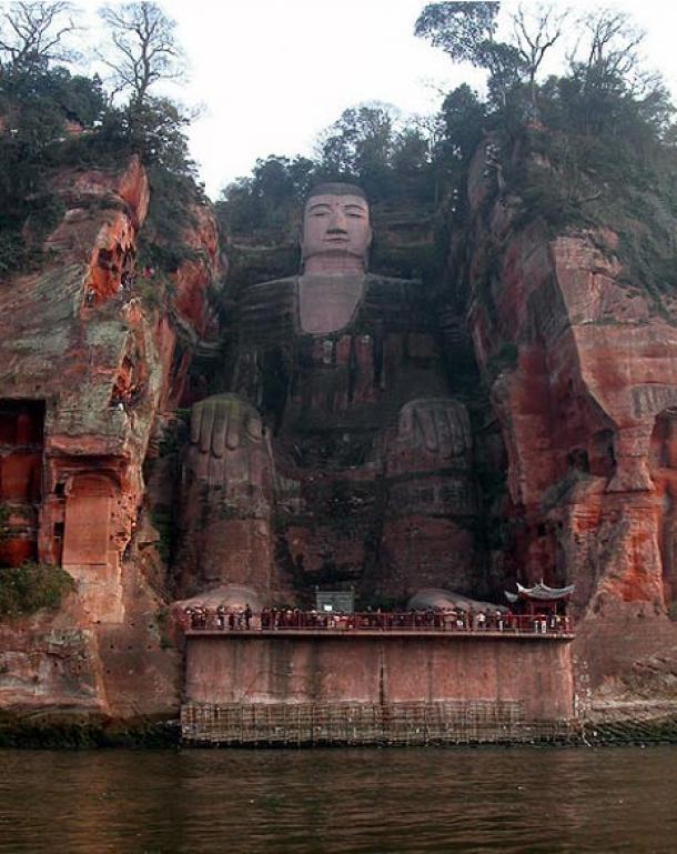 Nằm không xa thành phố Thành Đông, tỉnh Tứ Xuyên, Trung Quốc là bức tượng Lạc Sơn Đại Phật lớn nhất thế giới. (Ảnh: Internet)