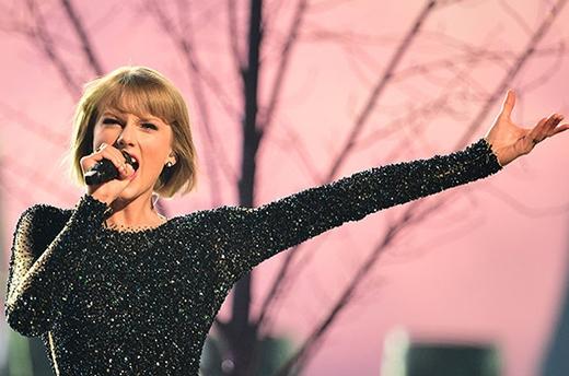 Taylor Swift biểu diễn tại giải thưởng Grammy lần thứ 58 tại Los Angeles ngày 15/2/2016. (Ảnh: Getty Images)