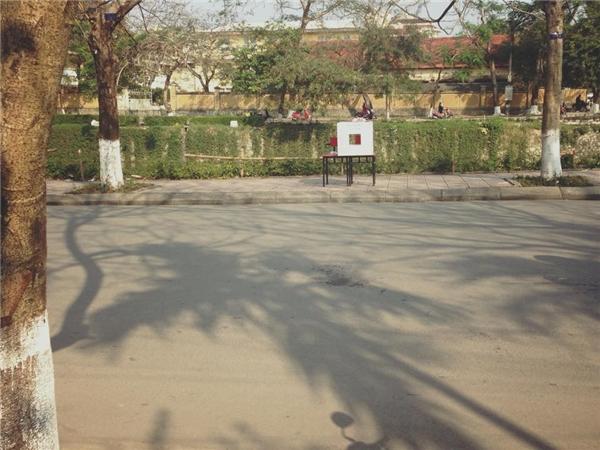 Sau Sài Gòn và Hà Nội, thùng bánh mì từ thiện đã có mặt tại Huế