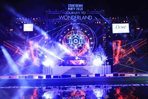 """New Year Countdown Party 2016 – Journey to Wonderland, sự kiện được các bạn trẻ Sài Thành """"check-in"""" nhiều nhất trong ngày đầu năm mới."""