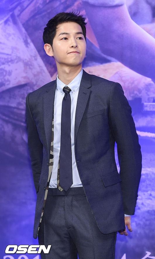 Mĩ nam Song Joong Ki đẹp không tì vết dù đã bước sang tuổi 31