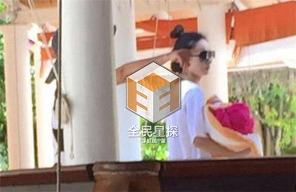 Tiểu Cốt Triệu Lệ Dĩnh đã đính hôn với bạn trai đại gia?