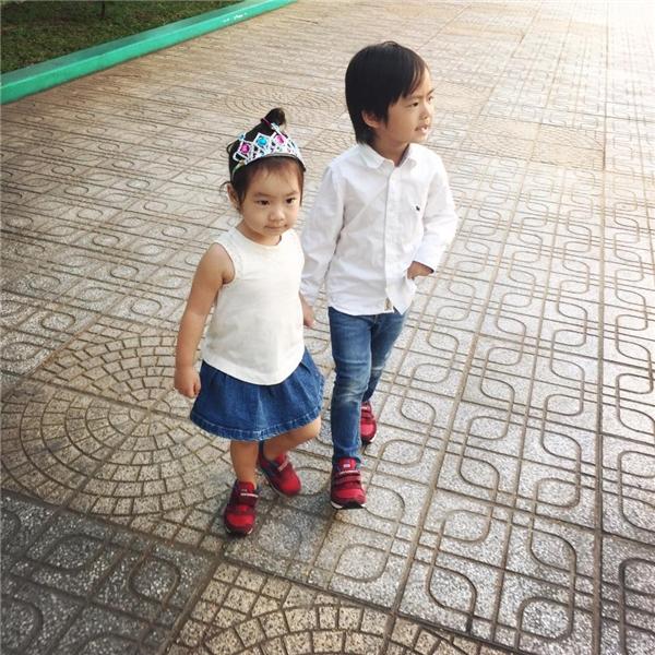 Hai thiên thần nhỏ nhà Lý Hải – Minh Hà càng lớn càng ngoan ngoãn, đáng yêu. - Tin sao Viet - Tin tuc sao Viet - Scandal sao Viet - Tin tuc cua Sao - Tin cua Sao