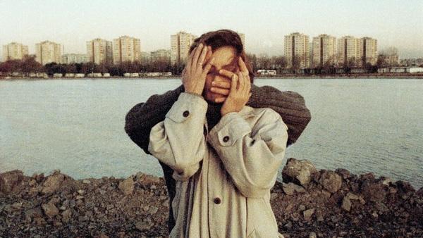 10 dấu hiệu cho thấy cậu bạn cạ cứng trót yêu bạn mất rồi