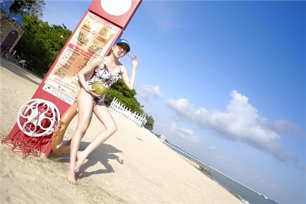 Thiều Bảo Trâm gây sốt khi diện bikini khoe chân dài miên man - Tin sao Viet - Tin tuc sao Viet - Scandal sao Viet - Tin tuc cua Sao - Tin cua Sao