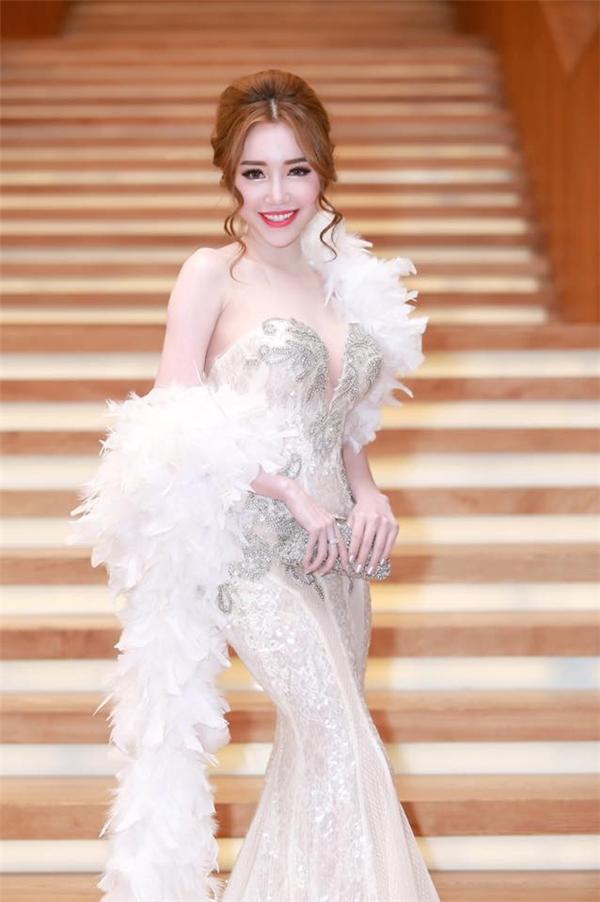 Elly Trần quay trở lại với hình ảnh trưởng thành, quyến rũ. - Tin sao Viet - Tin tuc sao Viet - Scandal sao Viet - Tin tuc cua Sao - Tin cua Sao