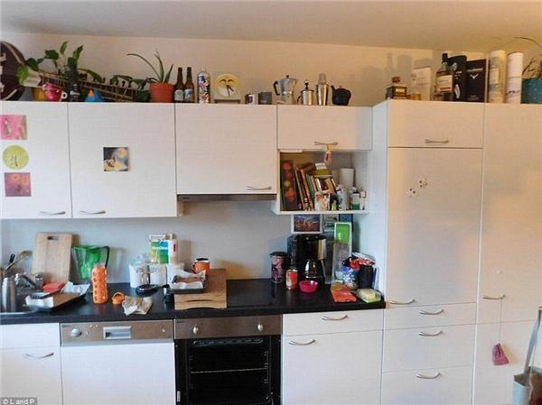 Giữa một căn bếp bình thường như thế này thì chuyện bất thường gì cũng có thể xảy ra?(Ảnh: Bored Panda)