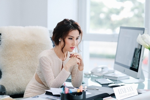 Hình tượng mới của Diễm My khiến công chúng liên tưởng đến những người phụ nữ thành đạt và quyền lực. - Tin sao Viet - Tin tuc sao Viet - Scandal sao Viet - Tin tuc cua Sao - Tin cua Sao