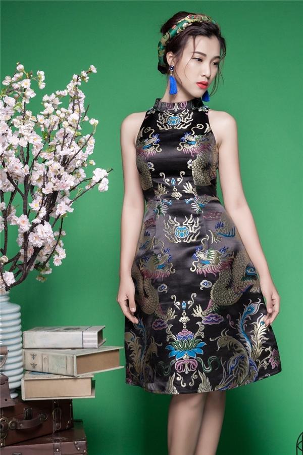 Hoàng Oanh đẹp như tranh vẽ trong bộ trang phục sang trọng - Tin sao Viet - Tin tuc sao Viet - Scandal sao Viet - Tin tuc cua Sao - Tin cua Sao