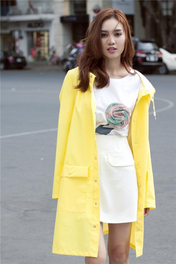 Gu thời trang của Lan Ngọc luôn là yếu tố giúp cô thực hiện được định hướng về hình ảnh. Nhiều lời khen có cánh được dành tặng cho nữ diễn viên 9X sau những thay đổi tích cực.