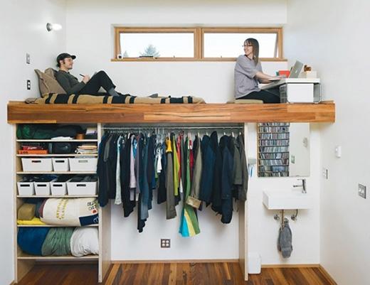Một thiết kế đầy sáng tạo và bắt mắt. Bên dưới chiếc giường không chỉ là tủ treo quần áo, kệ để CD và các vật dụng khác mà còn cả một chiếc bồn rửa mặt nữa. (Ảnh: Internet)