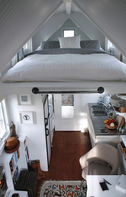 Lại một thiết kế giường lơ lửng nữa dành cho ngôi nhà hẹp. (Ảnh: Internet)