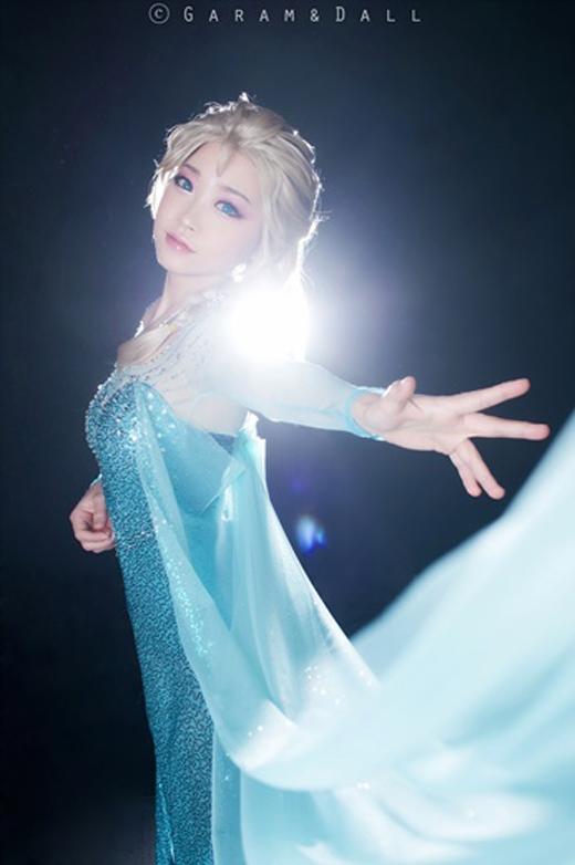 Rửa mắt với loạt ảnh cosplay công chúa Disney tuyệt đẹp